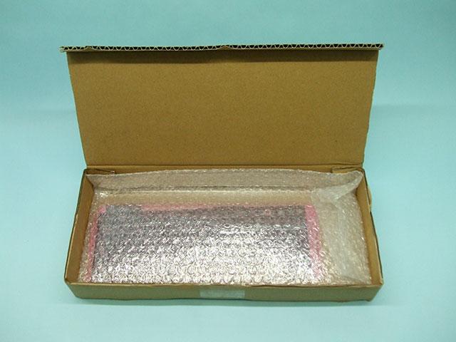 購入したPanasonic Let's note CF-N10のキーボードの梱包状態