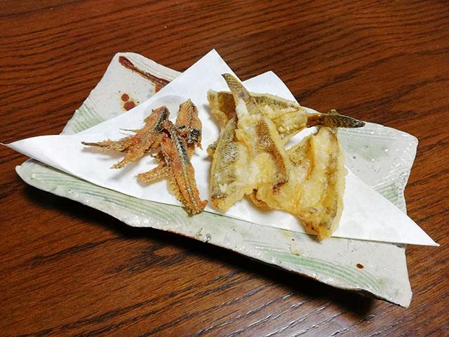 ハゼの天ぷらと骨煎餅