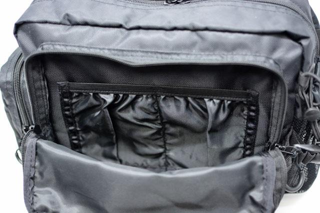 Abu Garcia(アブ・ガルシア)ワンショルダーバッグ2 前面ポケットの内ポケット