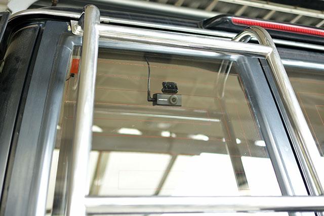 COMTEC「ZDR-015」リアカメラの取り付け位置