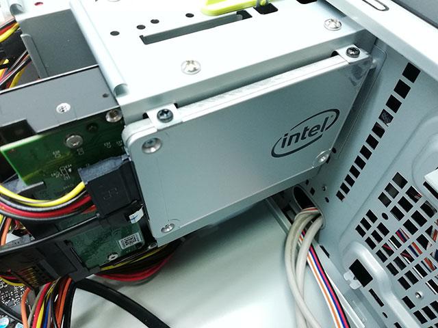 マウスコンピューター製 LM-AR352E-SSDに搭載されていたIntel製 240GB SSD